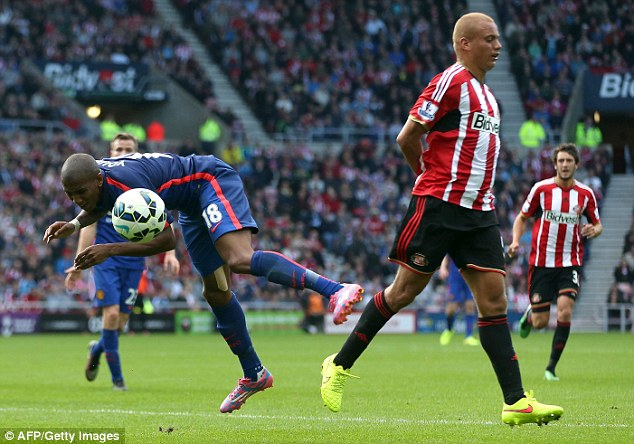 1408903539812_wps_14_Manchester_United_s_Engli